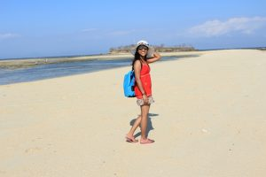 jalanan pasir di Pulau Kambing